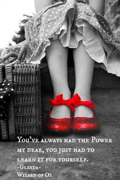I love this and I love the wizard of oz. It has a special place in my heart. It was the movie I watched the first time I saw a colored television at my grandparents house..