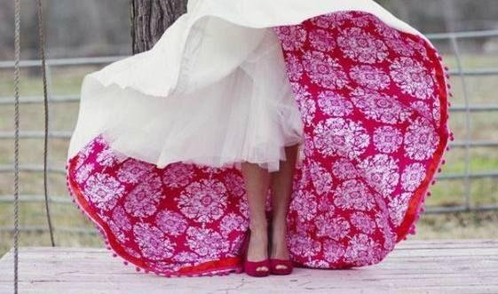 Ποιος είπε ότι η νύφη πρέπει να ντυθεί στα λευκά;