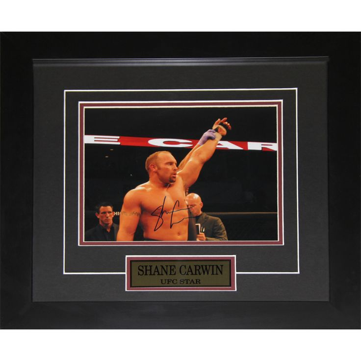 Midway Shane Carwin UFC Signed 8x10-inch Frame