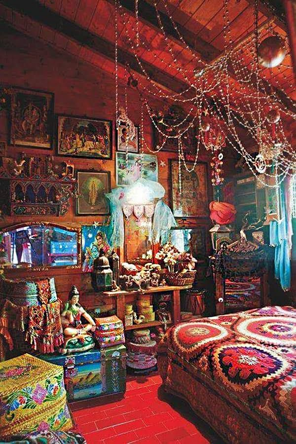 25 best bohemian furniture ideas on pinterest indian for Dormitorio hippie chic