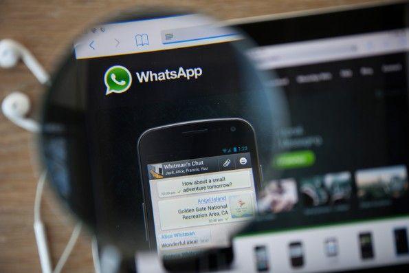 t3n: Wie gut kennst du WhatsApp?  ich: kennen ja. nutzen nein. t3n: Diese 7 versteckten Funktionen sind ziemlich hilfreich.  ich: achso.  (Bild: GongTo / Shutterstock.com)