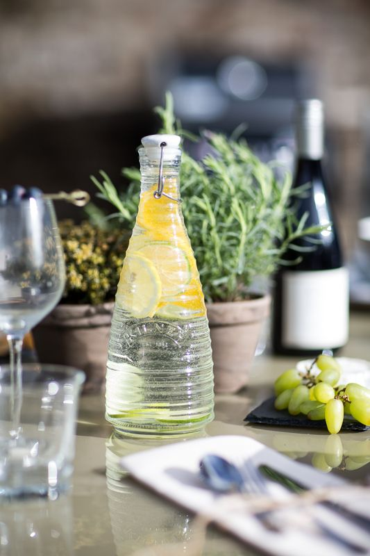 #SummerLovin  Instead of a traditional jug, pour your water in style with this #Kilner clip top water bottle.