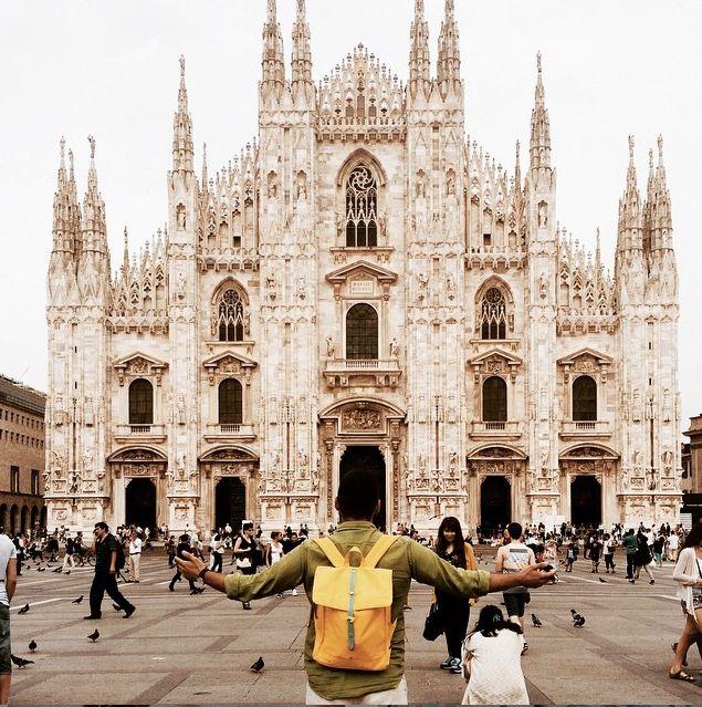 Oggi la Natwee Bag Yellow accompagna Antonio Martiniello in viaggio a Milano!  Scegli la tua borsa Natwee preferita per il tuo prossimo viaggio sul sito http://natwee.com/!