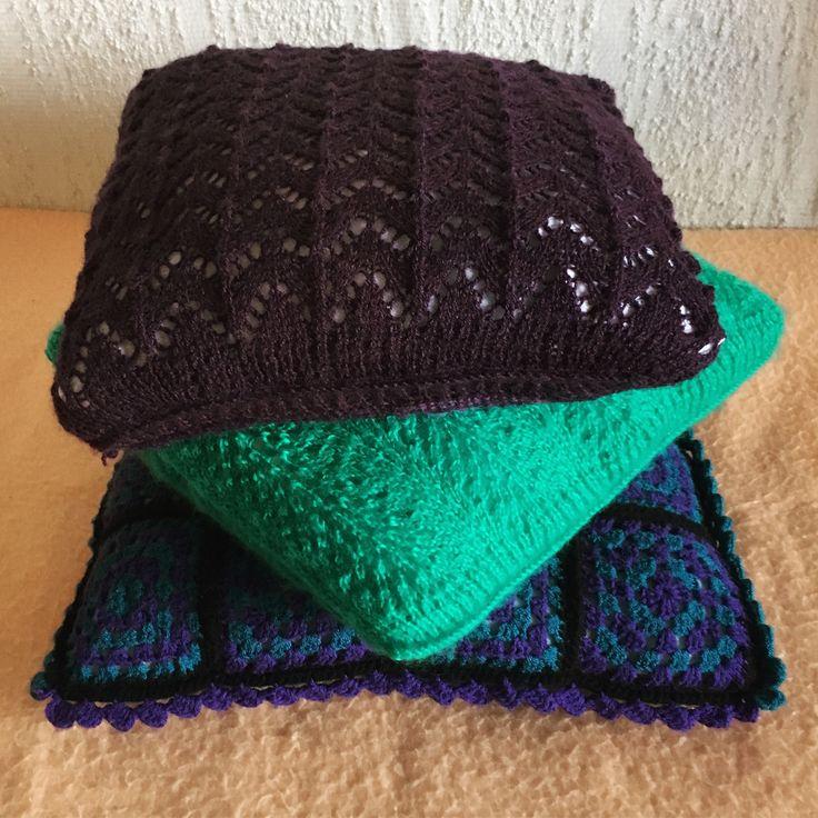 Kötött párnahuzatok (Knitted pillowcases) #knit #knitting #pillow #pillowcase #purpleandgreen