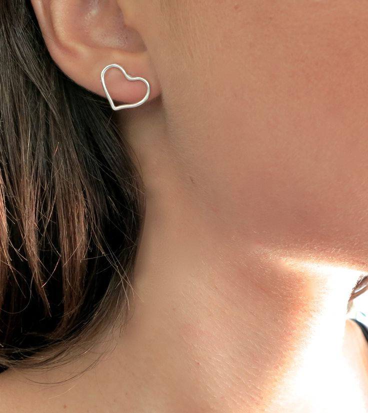earring sterling .925 silver delicate simple minimalist geometrical stackable handmade infinity infinite forever eternity eternal love universe karma geometric symbol simpliik ring love heart in love passion outline heartbeat
