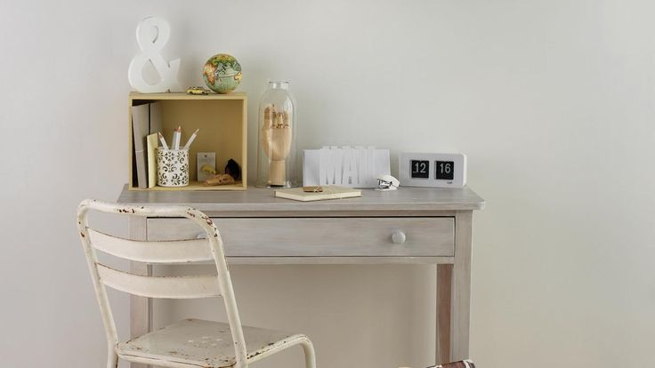 Living space – natural colours, neutral shades - Mitre 10