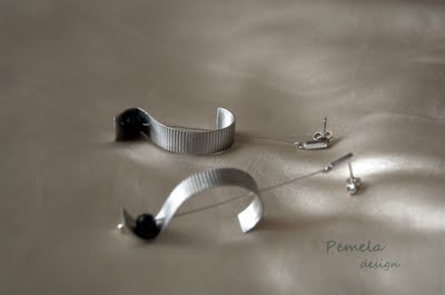 """""""Stripes"""" Earrings made of rhodium plated silver and lava by www.pemeladesign.com"""