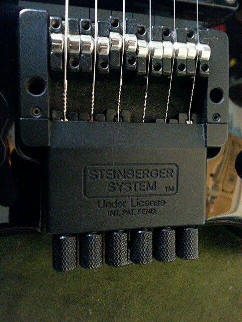 Regolazione ponte TransTrem su chitarra elettrica Spirit by Steinberger