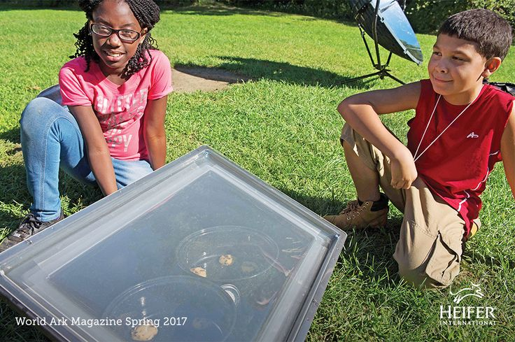 5th graders try different methods of cooking with solar ovens in Springfield, Massachusetts. The class spent an entire week learning about agriculture and the challenges facing small-scale farmers around the world.