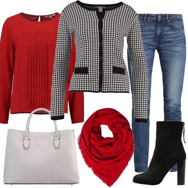 Outfit perfetto per il lavoro o l'università. Jeans a sigaretta, camicetta rio red, cardigan pied de poule. Completano il tutto stivaletti con tacco largo black, borsa a mano mid grey e foulard red. Semplici e alla moda.