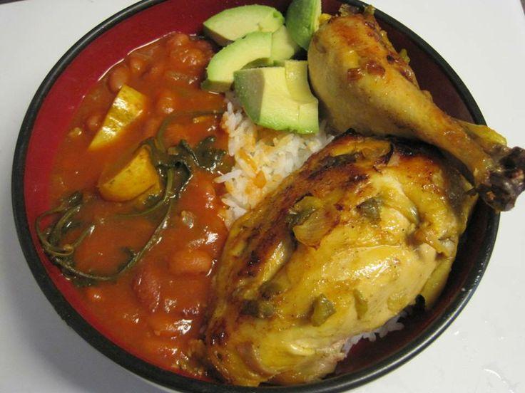 Pollo frito habichuelas guisadas arroz y aguacate - Comidas con arroz blanco ...