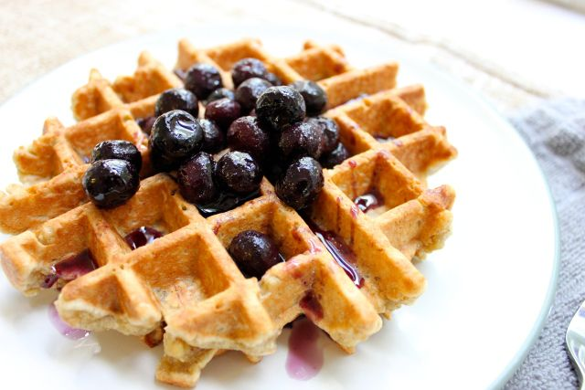 Almond Quinoa & Oat Waffles w Blueberry Drizzle | On the Road to RD: Oats Waffles, Bobs Red Mill, Quinoa Oats, Yummy, Quinoa Waffles, Quinoa Recipes, Recipes Glutenfree, Almonds Quinoa, Waffles Recipes