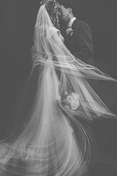 via Hey Pretty Wedding: Stunning Photography, Windswept Veils, Wedding Photography, Wedding Vintage, Black And White, Black White, Wedding Photos, Wedding Portraits, Beautiful Image