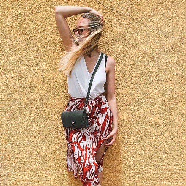 Л Е Т О 🌿 С О Л Н Ц Е ☀️ Блистательная @iraraf спасибо за настроение! #NIM_aroundtheworld from Rhodes 🌿🌿🌿🌿🌿🌿🌿🌿🌿 #NIM_design #leatherbag #leatherdesign #сумкабардачок #fashion #fashionblogger #blogger #bag #madeinmoscow #summer #beautifulday