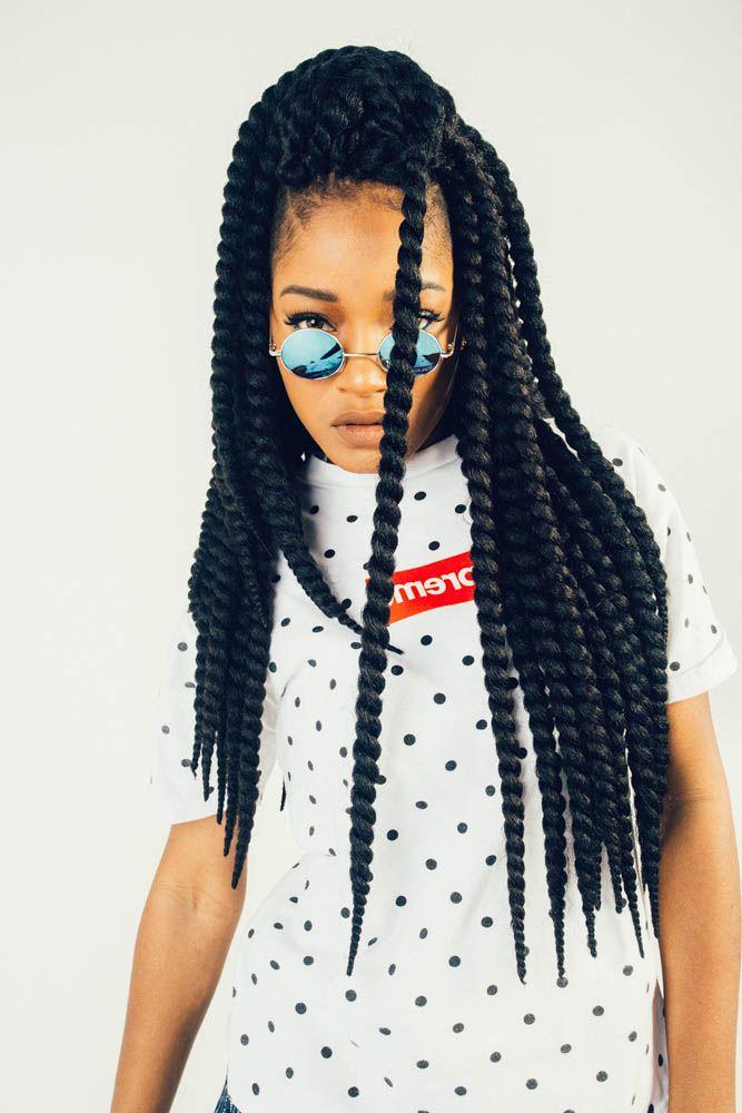 Pratiques, originales et stylées, découvrez les coiffures tressées qu'on adore. Focus : Crochet braids. Pour obtenir ces tresses, commencez par réaliser des cornrows. Ensuite, ajoutez des extensions à l'aide d'un crochet. @Sarah Igbinosa