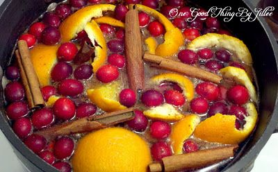 Holiday Stove Top Potpourri Mix one whole orange or just the orange peel 1/2 c cranberries 1 T. whole cloves 3 sticks cinnamon or a small handful of small pieces of cinnamon a bit of grated nutmeg if desired Quarter orange. Put all the ingred. into saucepan & fill pan with water. Place on the stove on the smallest burner, on the lowest setting. Refill water as needed.