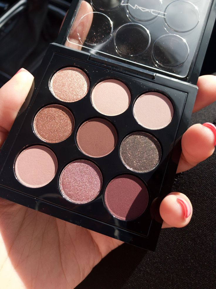 10 Best Eyeshadow Palettes - My picks for pale skin and