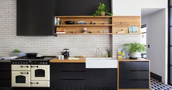 This gorgeous Adelaide kitchen matches mod cons with period features, but the real surprise lies hidden behind the wall, thanks to a genius design.
