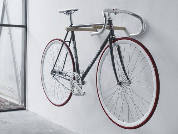gancho de la bici de madera madera de roble natural por fluoshop