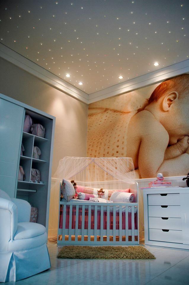 Céu estrelado.   Uso da iluminação para mexer com as emoções dos bebês!