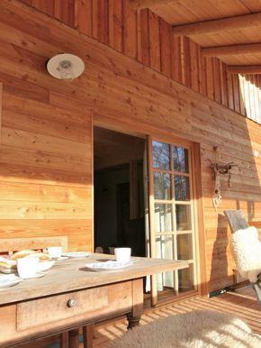 Die ganz neu erbauten Holzhäuser vom Landferienhof Fischer befinden sich nur 200 m entfernt. Genießen Sie einen herrlichen Hüttenurlaub im eigenen Haus und eine wunderschöne Aussicht über das Dorf und die Bayerwaldberge.