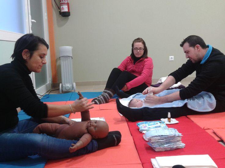 Clases de masaje infantil en Mollina ponte en contacto con nosotros. http://www.matronaadomicilio.es/