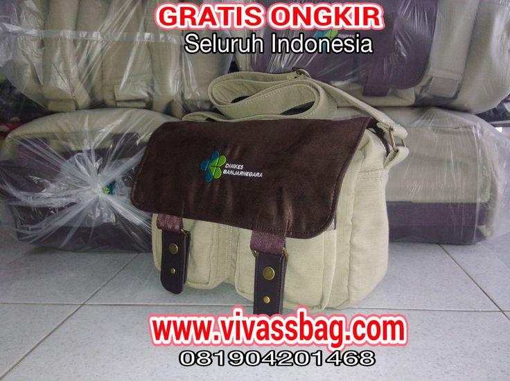 Harga tas seminar di Vivass Bag sangat terjangkau dan mendapt Gratis Ongkir.
