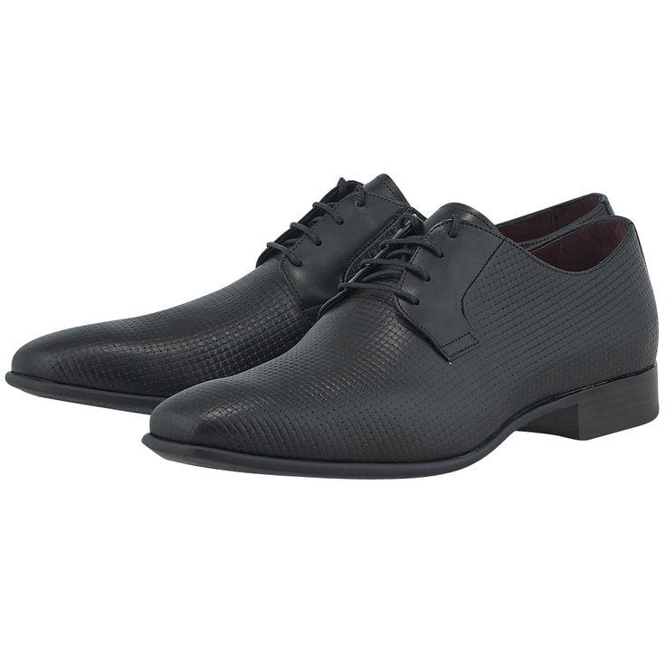 Aνδρικά παπούτσια loafers ελληνικής κατασκευής από την Damiano Damiani, κατασκευασμένα από γνήσιο δέρμα, σε μαύρο χρώμα, με καπιτονέ σχέδιο και καλούπι oxford, κατάλληλα για αυθεντικούς gentleman που κατακτούν χωρίς περιττές φλυαρίες.