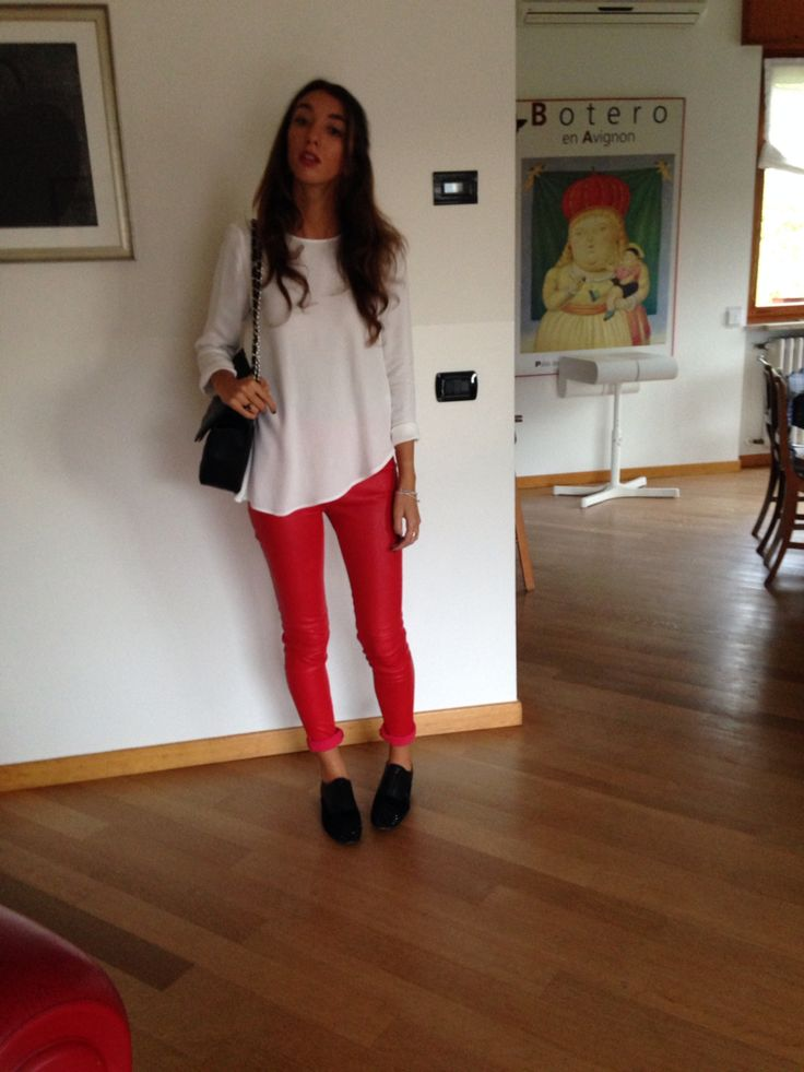 Pantaloni rossi di pelle