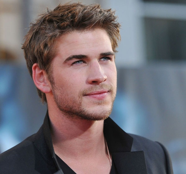 "The Hunger Games' Liam Hemsworth Talked About Director Replacement in ""Catching Fire"""