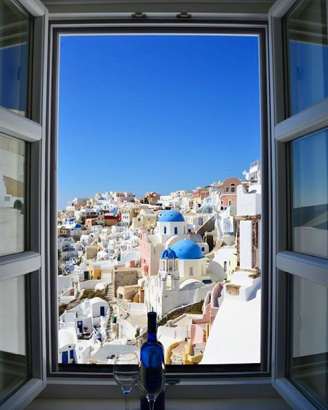 Open your window to enjoy the whole moment! #Santorini  #Architecture Photo credits: @italian_hotel