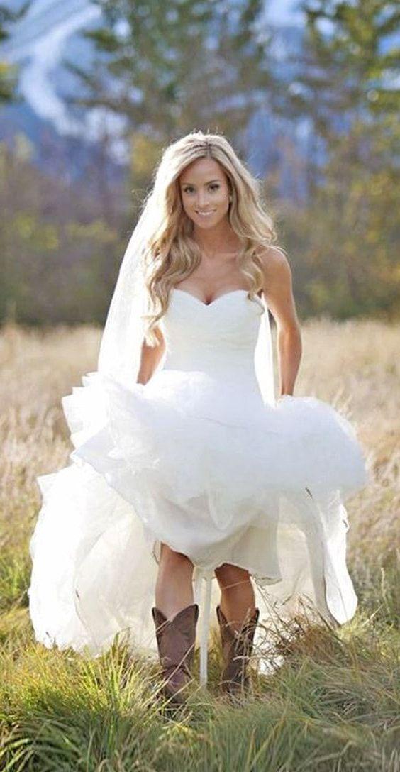 Amazing Super winter wedding dress ideas for