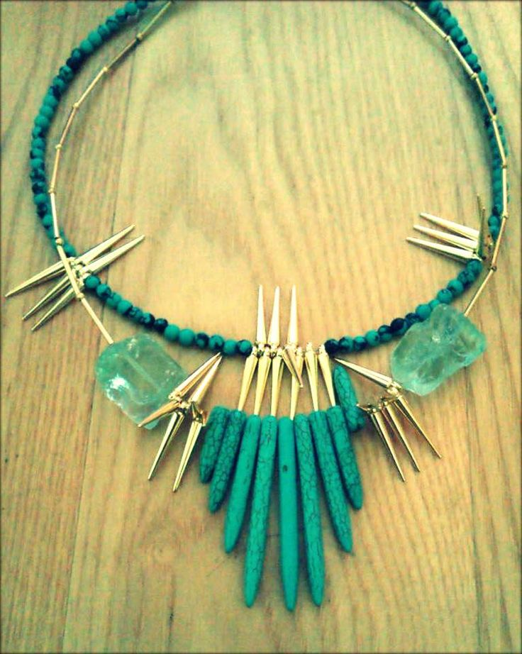 spiky turquise necklace