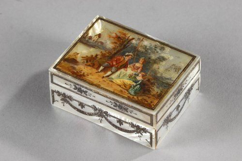 17 best images about 18th century snuff patch boxes on for Mirror 18 patch