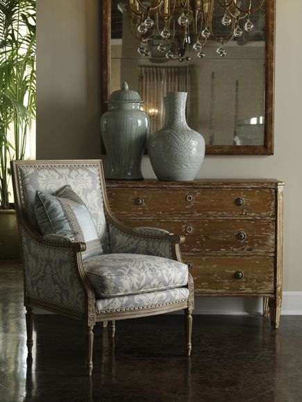 Lillian August is an artist, a painter, an interior designer, a textile designer and a furniture designer. Her collections for Hickory White exemplify her ability to creae sophisticated, vibrant and engaging lifestyles.