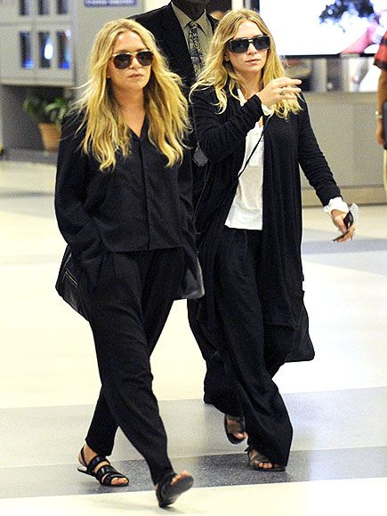 Mary Kate and Ashley  i really do not understand why they wear such baggy clothes: