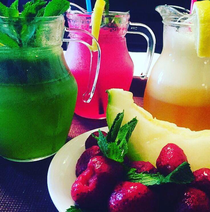 Vino și răcorestete cu o limonada de primavara la Trattoria Romana! #CuloriDePrimavara #LimonadaMenta #LimonadaFructePadure #LimonadaPepeneGalben #TrattoriaRomana #PiataLahovari