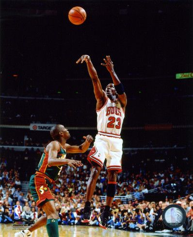 Michael Jordan Game 6 of the 1996 NBA Finals Action Photo