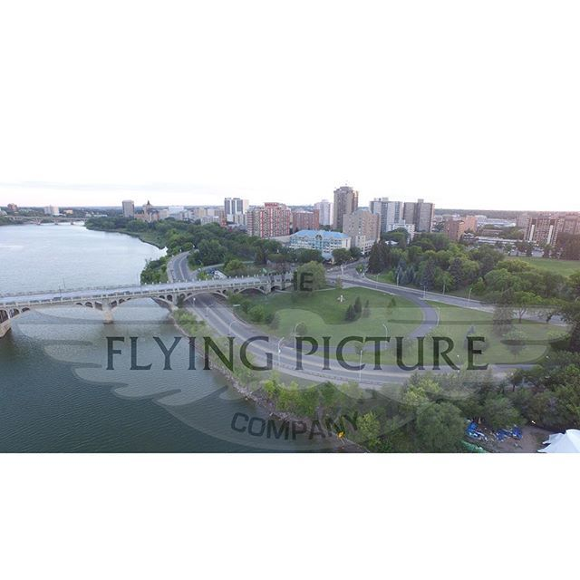 A great view of the Parktown Hotel and the North Saskatchewan River!  #ANewView #YQR #YXE #BidgeCity #Saskatoon #SK #shines #RealEstate #beauty #photo #photography #photooftheday #music #picture #pic #moment #memory #history #hd #hdr #hdroftheday #fly #flying #aerial #altitude #photos #photographers #drone #4k #highquality @VisitSaskatoon Unless indicated all photos are copyright the Flying Picture Company. Please contact us about licensing information for you to use our work!