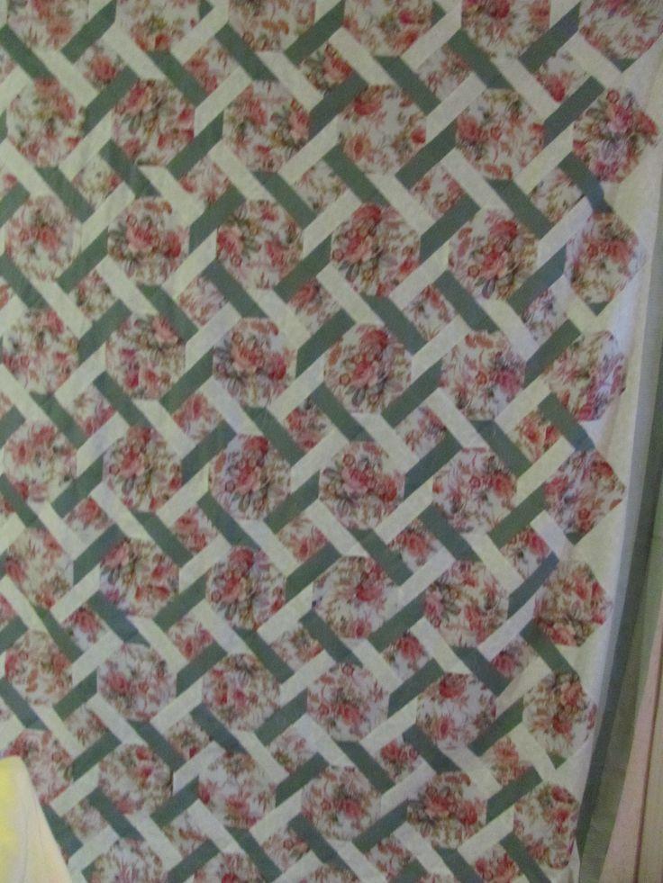 Garden quilt. King size