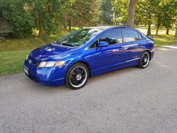 Used (normal wear) - Selling a 2007 Honda Civic SI Sedan. One (adult) owner, majority highway miles, not abused or raced. Just under $160k miles. The car is a total blast to drive and you really feel like you are in a cockpit. The tinted windows give it a nice feel on the inside and the sound system with the subs is awesome. Drop the windows and open the sunroof for some summer night cruising.   Fuji blue color with all options for the 2007 SI except navigation. Upgrades include: K&...
