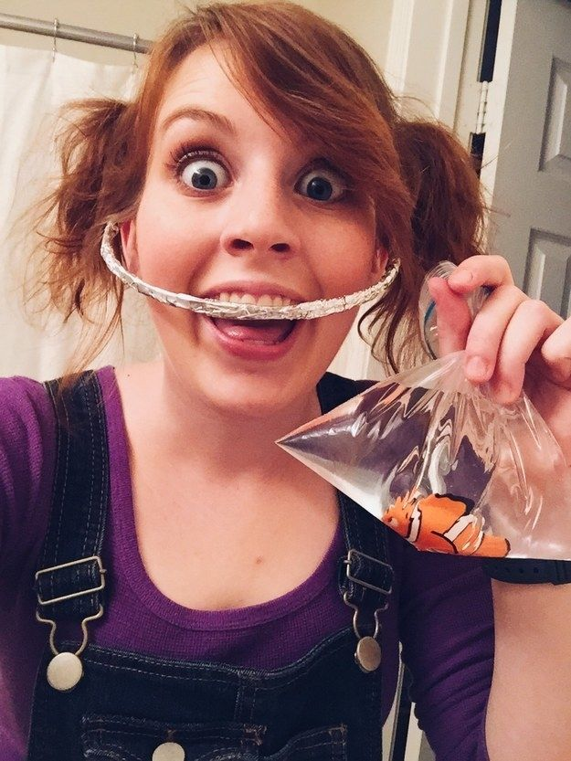 Darla de Buscando a Nemo: | 35 Disfraces geniales de Halloween para los amantes de las películas