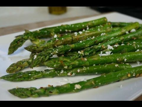 Chris De La Rosa shares a quick and tasty recipe for preparing asparagus. With a lovely garlic base, a touch of sea salt and a slight zing from pepper flakes...