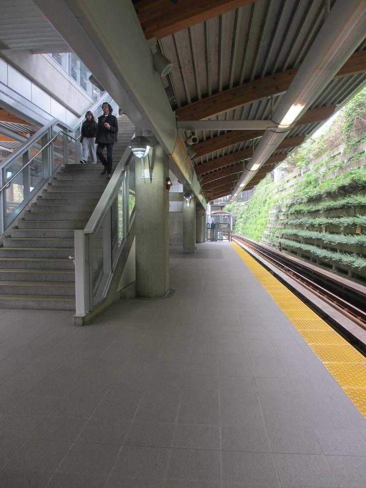 Commercial-Broadway Station, Millennium Line