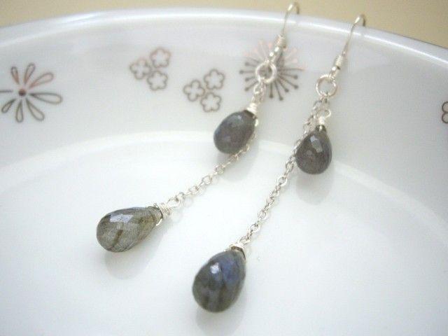 ラブラドライトのしずくのチェーンピアス(イヤリング)925 SV - Yoko's Jewelry