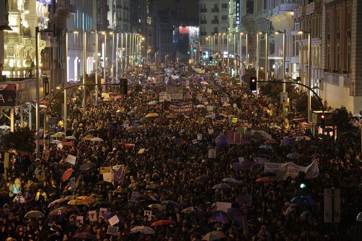 La manifestación feminista del 8 de marzo llega a la Gran Vía. Madrid (8 març 2018)