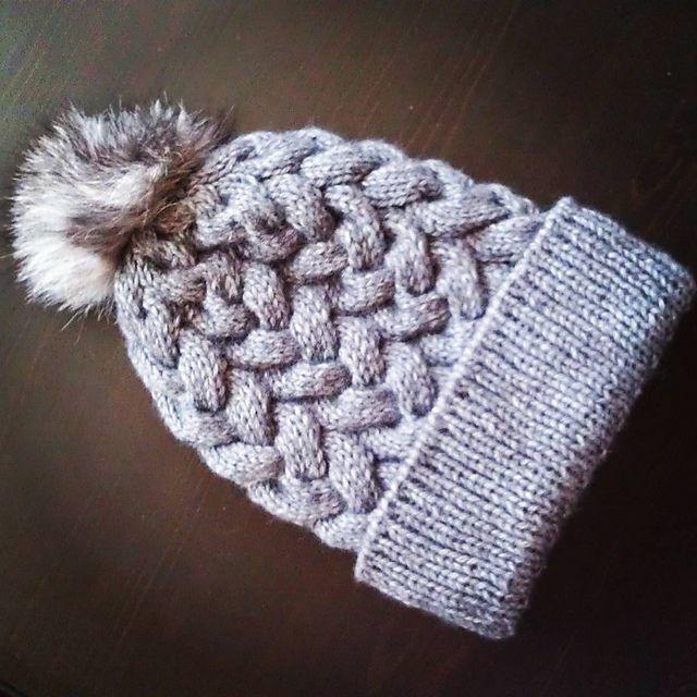 Loom Knit Cable Stitch Hat : 1000+ ideas about Loom Knit Hat on Pinterest Knit hat patterns, Crochet hat...