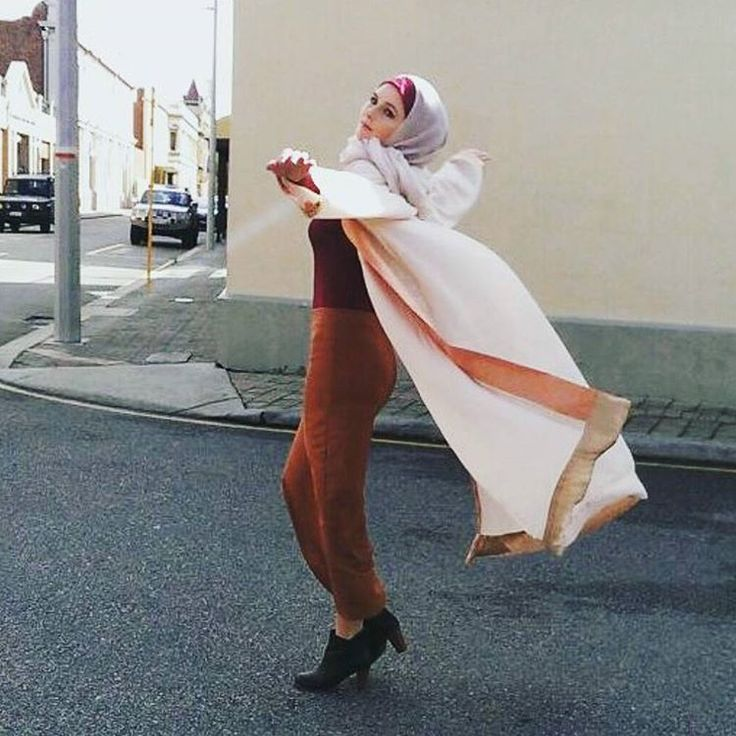 When you're wearing the ALEENA kimono by @zonashahrukh and you're just feelin it!  wanna feel how it feels to feel it? Pop by our modest fashion studio in Cannington or shop online at www.kazecastudio.com   #perth #perthfashion #perthfashiondesigner #australia #australianfashion #fashiondesign #fashiondesigner #modestfashion #hijabfashion #abayadesigner