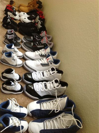 Omg awwhhh ! Matching shoes ♥ i could see Jordan doin tht haha