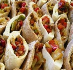 A bunch of filling ideas for pita bread | Belegd brood ...